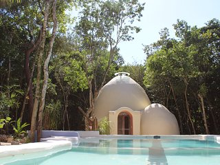 Organic ecological dome/loft , 2 beds sleep 4
