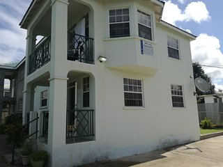 Air conditioned villa less than 2 minutes walk from the beach, Speightstown