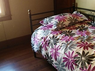 Room with Twin Bed, Windsor