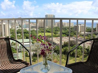 Waikiki's Best -Panoramic High Floor Ocean and Diamond Head Views