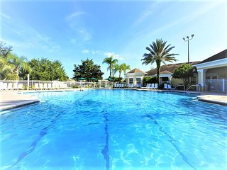 Windsor Palms Condos: 3 Bed 3 Bath & Pool Getaway, Kissimmee