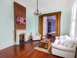 1800s Interior Designer Decorated Creole Cottage in the Heart of the Quarter!, New Orleans