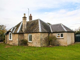 THE LODGE, pet-friendly, open fire, all ground floor, Hutton, Berwick upon Tweed