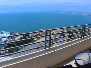 Spectacular Ocean Views, 21st floor for 5 people, Concon
