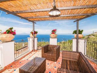 Marra-Marciano Holiday Home Sleeps 8 with Pool Air Con and WiFi - 5717345