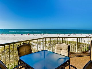 Villas of Clearwater Beach 8A  Beachfront |  2 bedroom and 2 bath | Short Walk