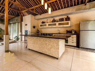 La-Meli Villas: Villa Marie Clare, 3 Bed Chic Villa in Seminyak Batu Belig