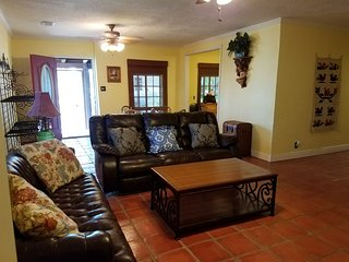 Cottage 3--Great cottage with lots of extras!, San Benito