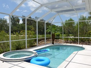 Perfect, quiet luxury villa with a big pool and great location, Ellenton