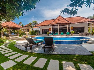 Beautiful Tropical Villa in the heart of Seminyak! 500 meters from the beach!
