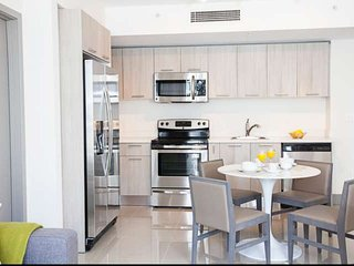ASK US FOR DISCOUNTS - Stylish 2/2 Brickell / Downtown Miami Condo Minutes from