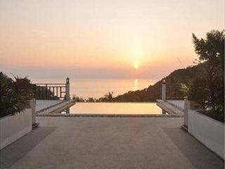 Sky Villa/private Pool Villa with fantastic Sunset, Ocean View