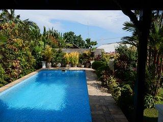 Beachfront villa, with private pool & close to surf: Cool Bali Villas