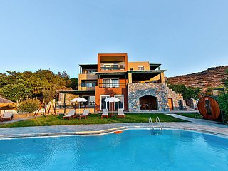 Grand Villa Wild Pear seaview, pool, sauna, garden, Ligaria