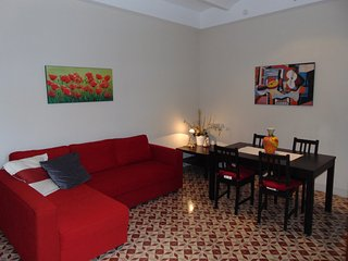 Apartment for 6 with wifi just 200m from the beach in the center of Calella