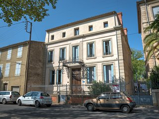 La Villa Celine, 19th century Maison, Bed & Breakfast with Swimming Pool, Saint-Laurent-de-la-Cabrerisse