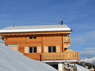 Alpine chic ski in ski out Duplex with an amazing view in het Aletscharena, Riederalp