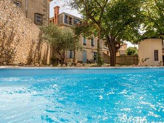 La Villa Celine, 19th century Maison, Bed & Breakfast with Swimming Pool