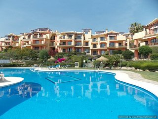 Stunning 3 Bedroom Apartment With Great Pool & Coast Views R 107, Benahavís
