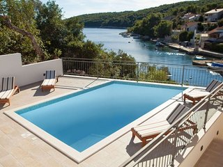 Stone house with pool in Korcula bay