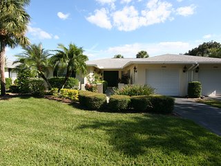BEAUTIFUL PALM AIRE VILLA- (ONE MONTH MINIMUM), Sarasota