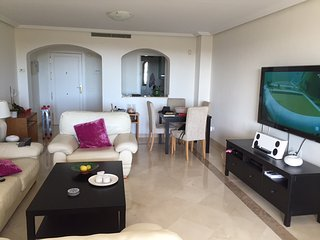 Stunning 3 Bedroom Penthouse With Fantastic Large Terrace R128, San Pedro de Alcantara