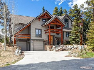 Sun drenched with views of the ski mountains from every window!, Breckenridge