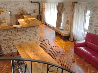 Vallon-Pont-d'Arc,Bastide de charme avec piscine couverte chauffée toute l'année