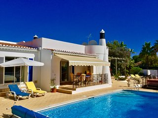 Villa Viva, very near to the beach in Carvoeiro and with private pool!