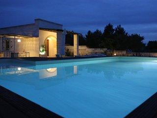 """""""Encantadora piscina Villa"""
