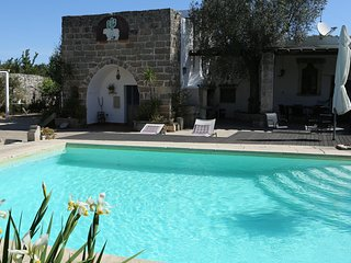 Lovely Poolside Farmhouse, Corigliano d'Otranto