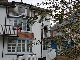 Fabulous 3 Storey Cottage in the heart of Hope Cove just metres from the beach