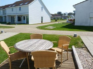 WEST BAY CLUB & SPA THREE BED HOUSE WITH BUNKS superb on-site facilities in Yarmouth Ref 943925