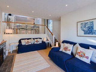 Snipe Cottage - sleeps 6 in Portscatho with fabulous views to sea