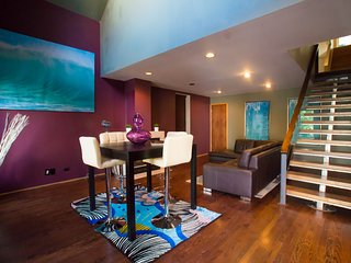 The Downtown Dream Home: 4 Floors, 9 Beds, 3 Decks in Million Dollar Location, Chicago