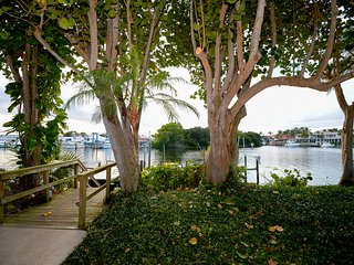 """ The Heron"" Waterfront Luxury Vacation Rental. Escape the cold., North Palm Beach"
