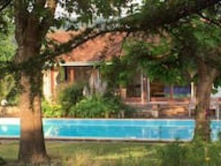Beautifully renovated farmhouse with private pool