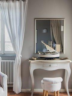 Design detail in deluxe room 1st floor