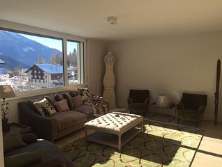 Alpine chic 3 bedroom apartment on walking distant of the skilift., Fiesch im Wallis