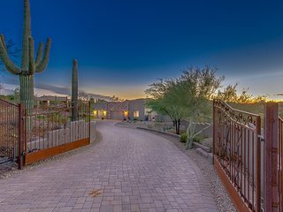 Custom Gated Estate in New River Arizona