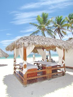 Our beach offers massage with ocean view
