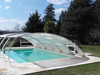 Dans un parc d'un hectare, à 200m de la Dordogne, avec piscine et SPA