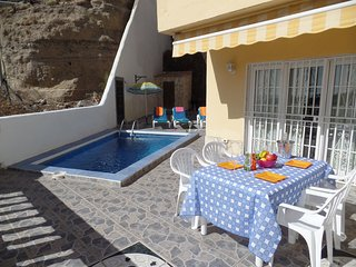 Tranquil 2 Bedroom Villa. Private Heated Pool. Playa De Las Americas. Sleeps 5.