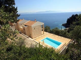 Erato Luxury Villa