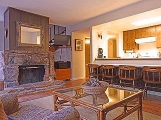 Large Condo with Great Amenities, Tahoe City