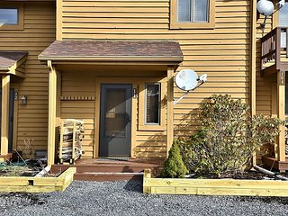 Perfect for a romantic getaway in the heart of Cannan Valley, West Virginia!, Davis