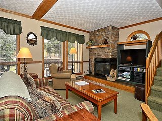 Rustic Deer Retreat- 3 bedroom condominium located in scenic Canaan Valley,WV