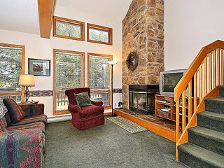 Unit 34- Renovated 3 bedroom condo right in the center of Canaan Valley, WV!!, Davis