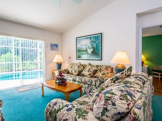 Cozy 2BR 2Bth Home with Private South Facing Pool, 8 Miles From Disney