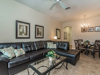 Lovely 4BR 3Bth Regal Palms Townhouse